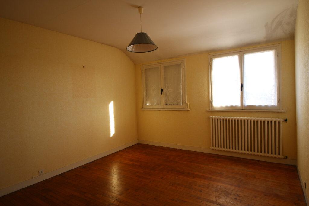 Maison à vendre 6 125m2 à Carhaix-Plouguer vignette-3