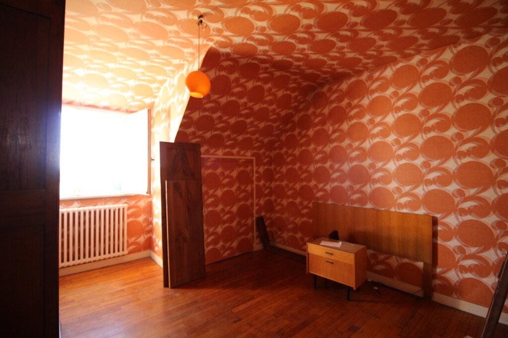 Maison à vendre 6 125m2 à Carhaix-Plouguer vignette-6