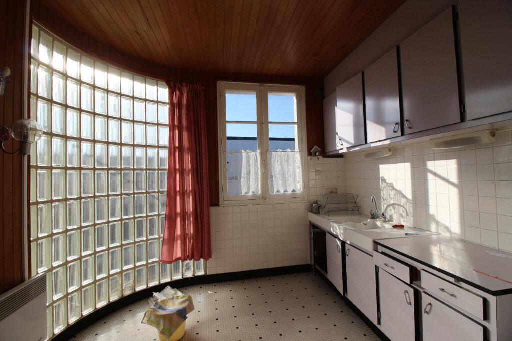 Appartement à vendre 4 58m2 à Carhaix-Plouguer vignette-3