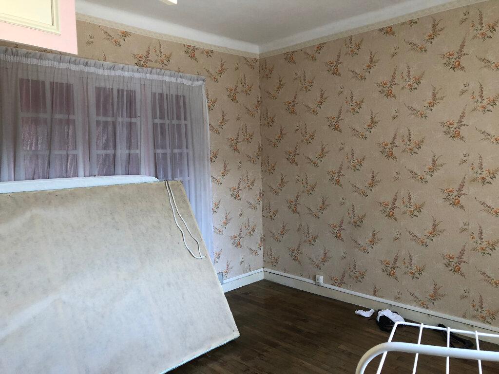 Appartement à vendre 4 58m2 à Carhaix-Plouguer vignette-5