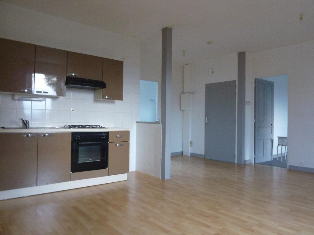 Appartement à louer 3 62m2 à Ploumagoar vignette-3