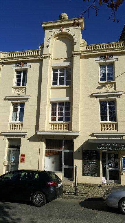 Appartement à vendre 2 51m2 à Guingamp vignette-1