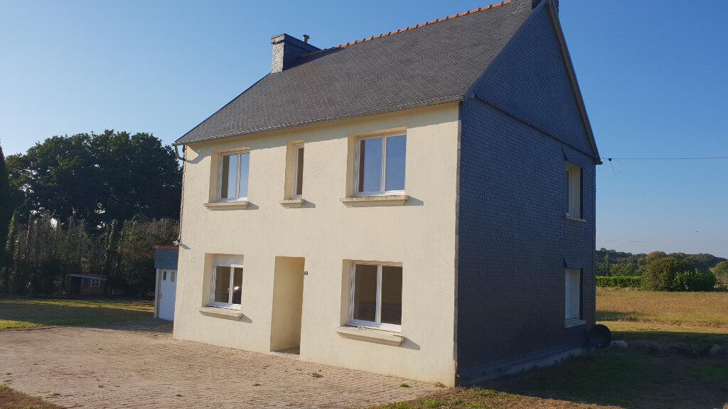 Maison à louer 6 112.62m2 à Locarn vignette-1