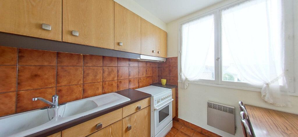 Appartement à vendre 3 65.44m2 à Guingamp vignette-1