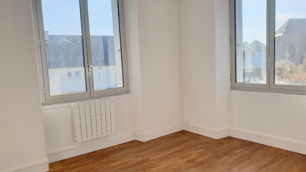 Appartement à louer 3 56m2 à Spézet vignette-2
