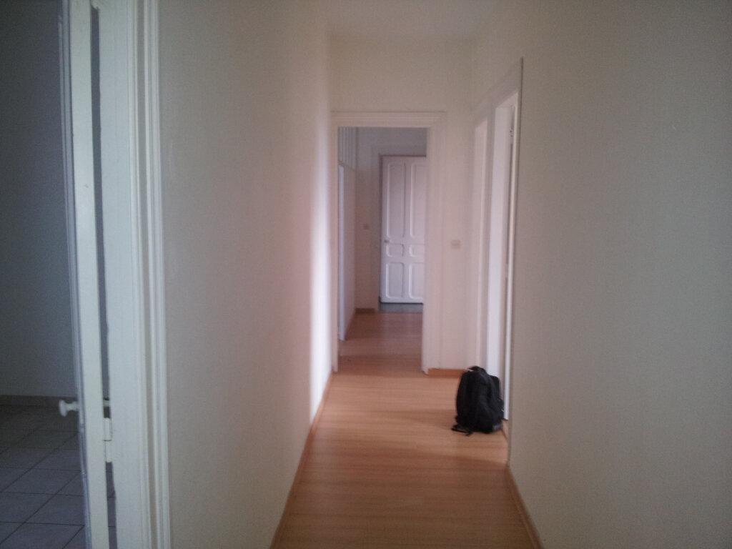 Appartement à vendre 4 95m2 à Guingamp vignette-2