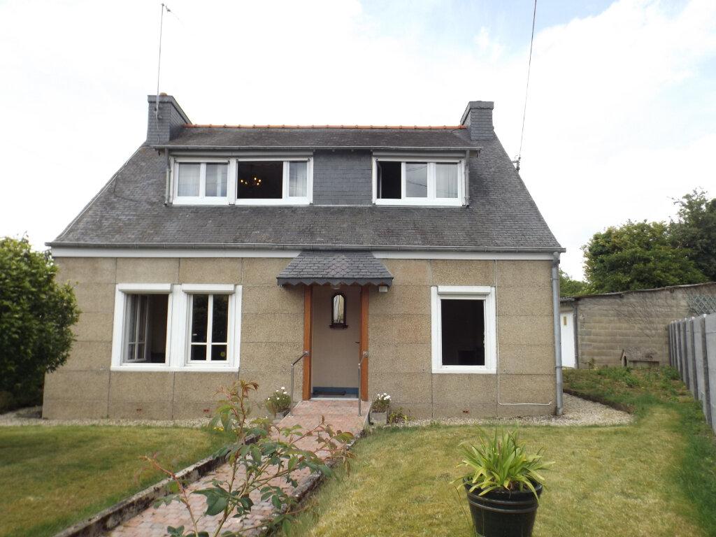 Maison à vendre 5 100m2 à Guingamp vignette-1
