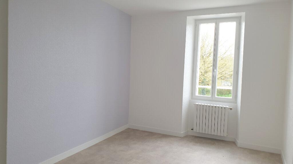 Maison à louer 5 90m2 à Paule vignette-2