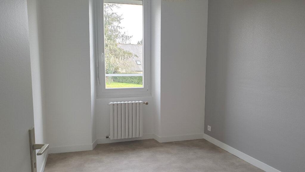 Maison à louer 5 90m2 à Paule vignette-3