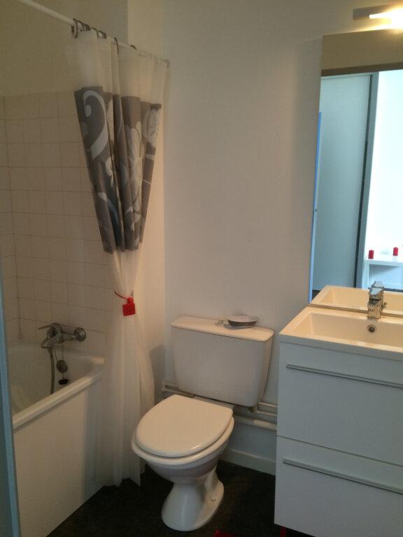 Appartement à louer 1 20m2 à Guingamp vignette-4