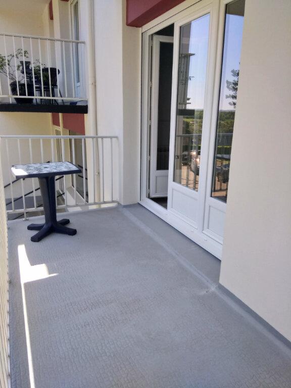 Appartement à louer 1 30.31m2 à Carhaix-Plouguer vignette-3