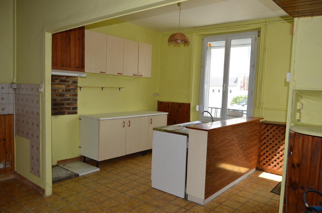 Maison à vendre 7 111.57m2 à Rostrenen vignette-2