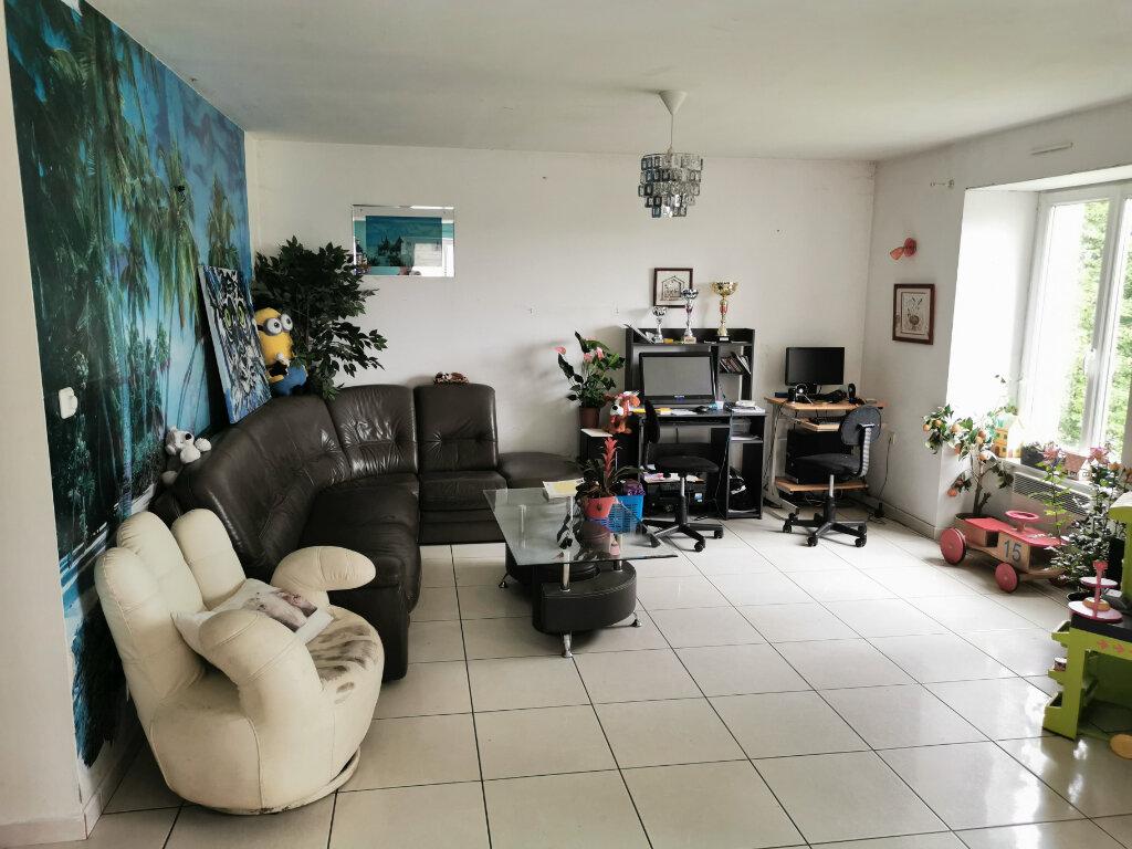 Maison à vendre 5 117m2 à Landeleau vignette-3