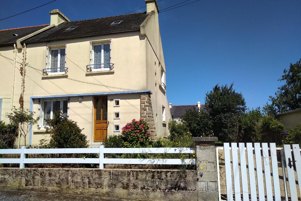 Maison à louer 5 75m2 à Carhaix-Plouguer vignette-1