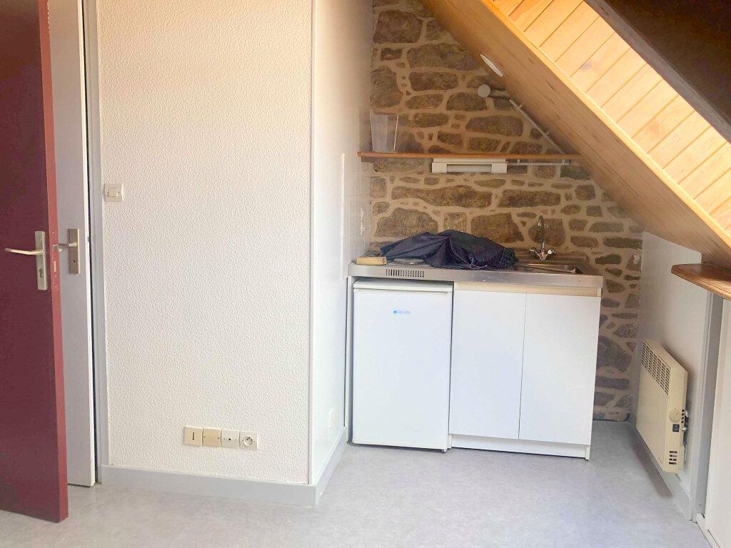 Appartement à louer 1 15.93m2 à Guingamp vignette-1