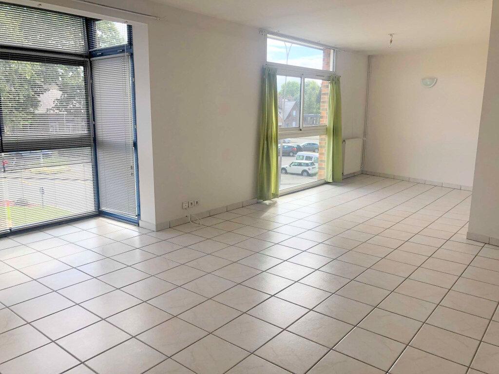 Appartement à louer 4 120m2 à Guingamp vignette-1