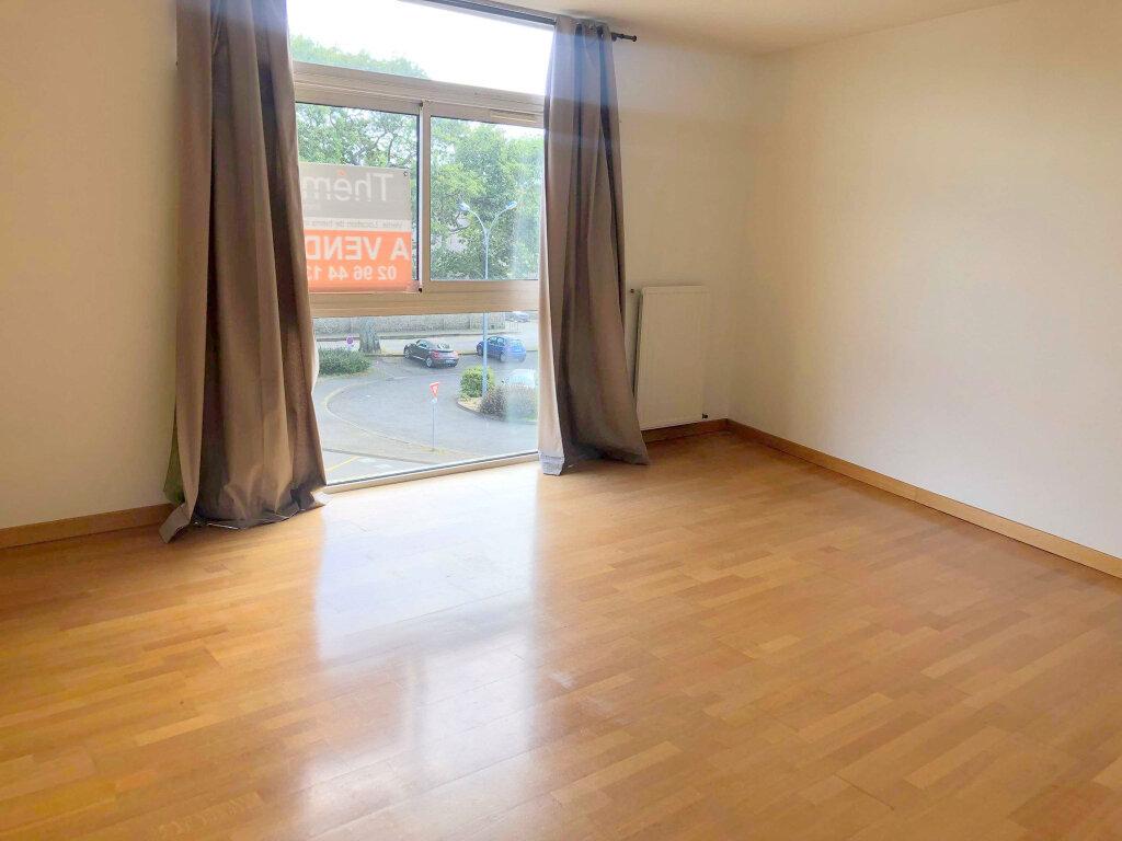 Appartement à louer 4 120m2 à Guingamp vignette-5