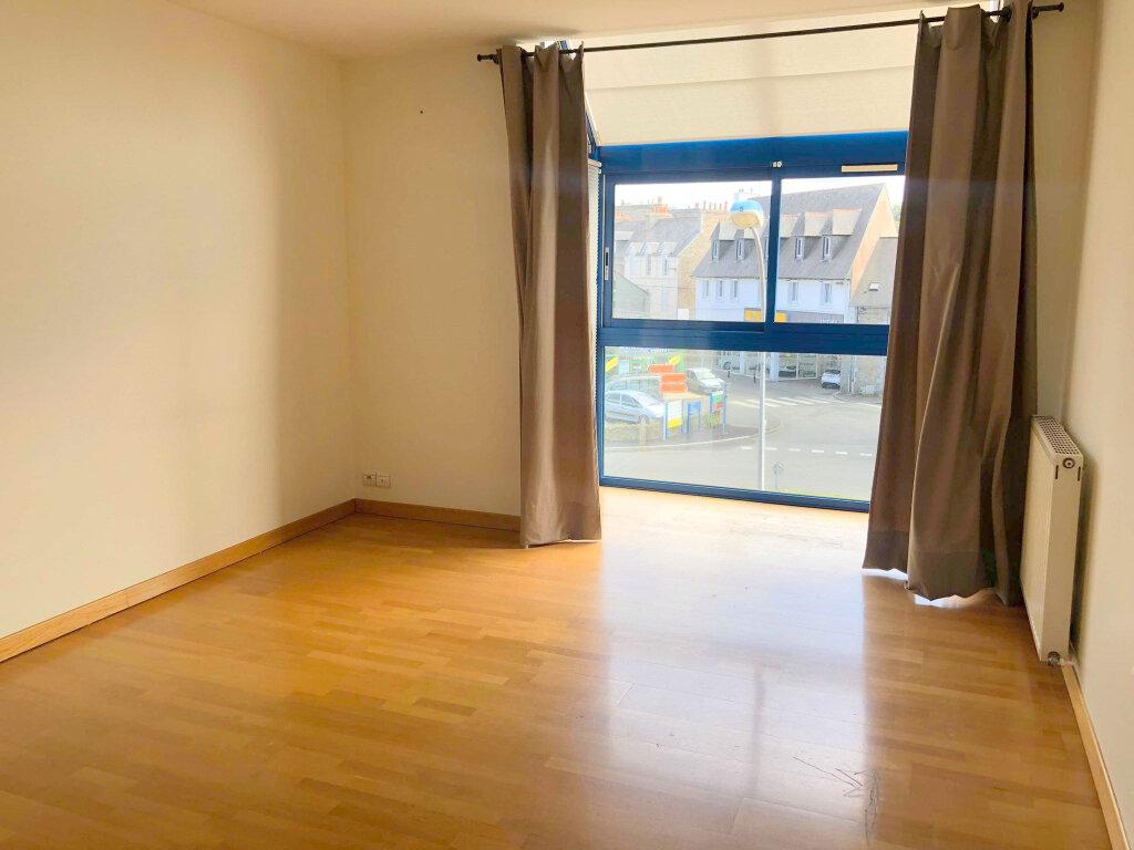 Appartement à louer 4 120m2 à Guingamp vignette-6