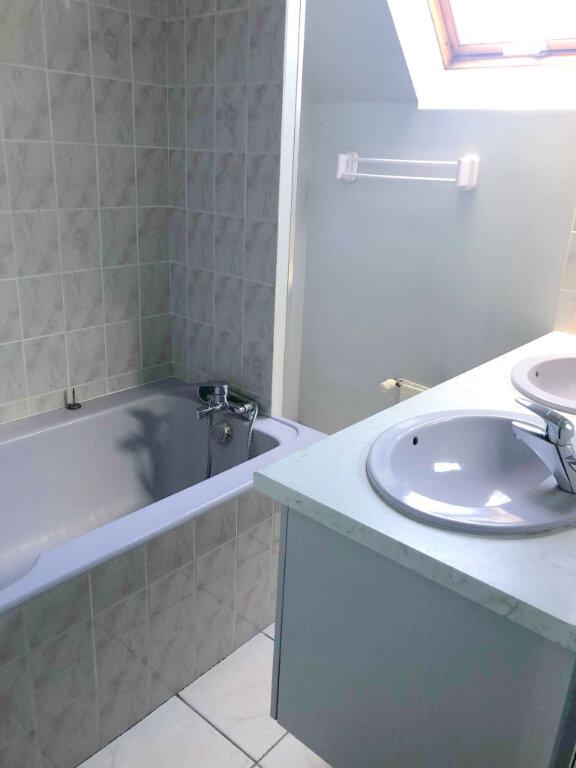 Appartement à louer 4 120m2 à Guingamp vignette-7