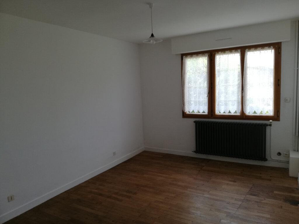 Maison à vendre 9 250m2 à Le Cambout vignette-5