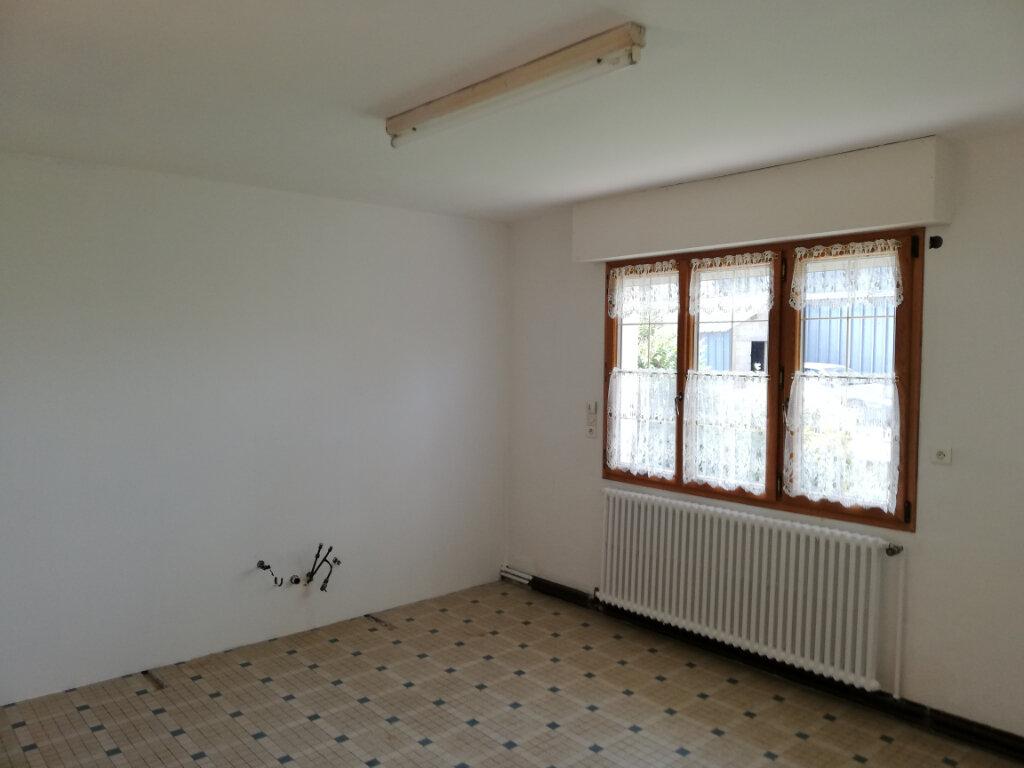 Maison à vendre 9 250m2 à Le Cambout vignette-6