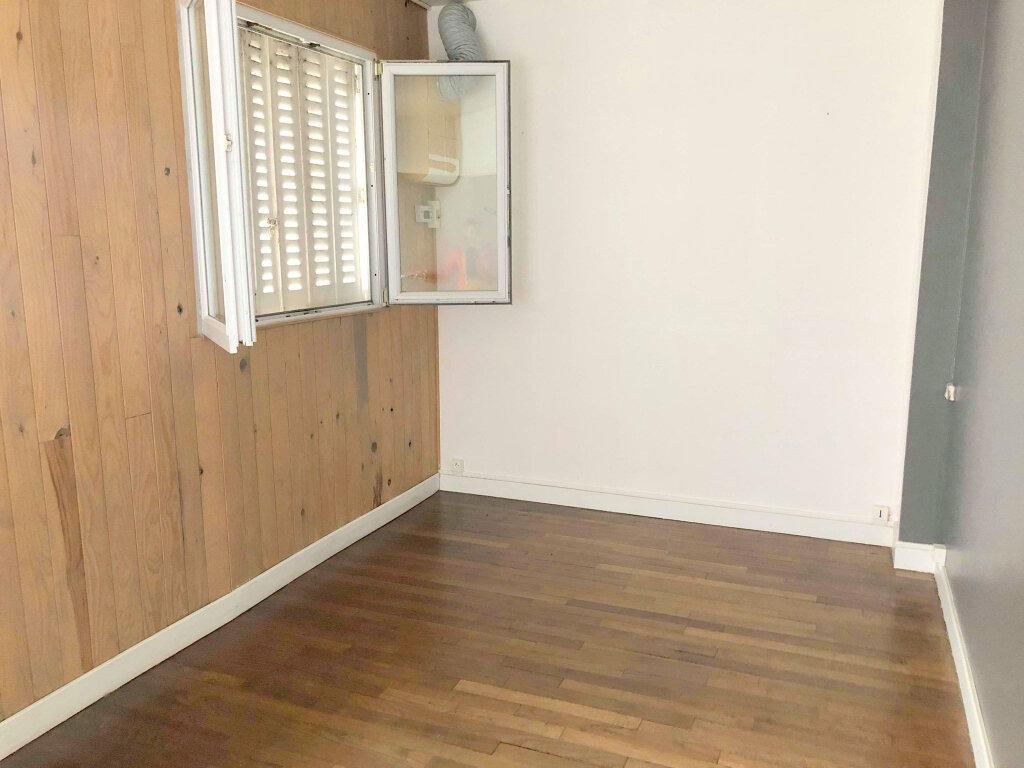 Appartement à louer 3 67m2 à Guingamp vignette-3
