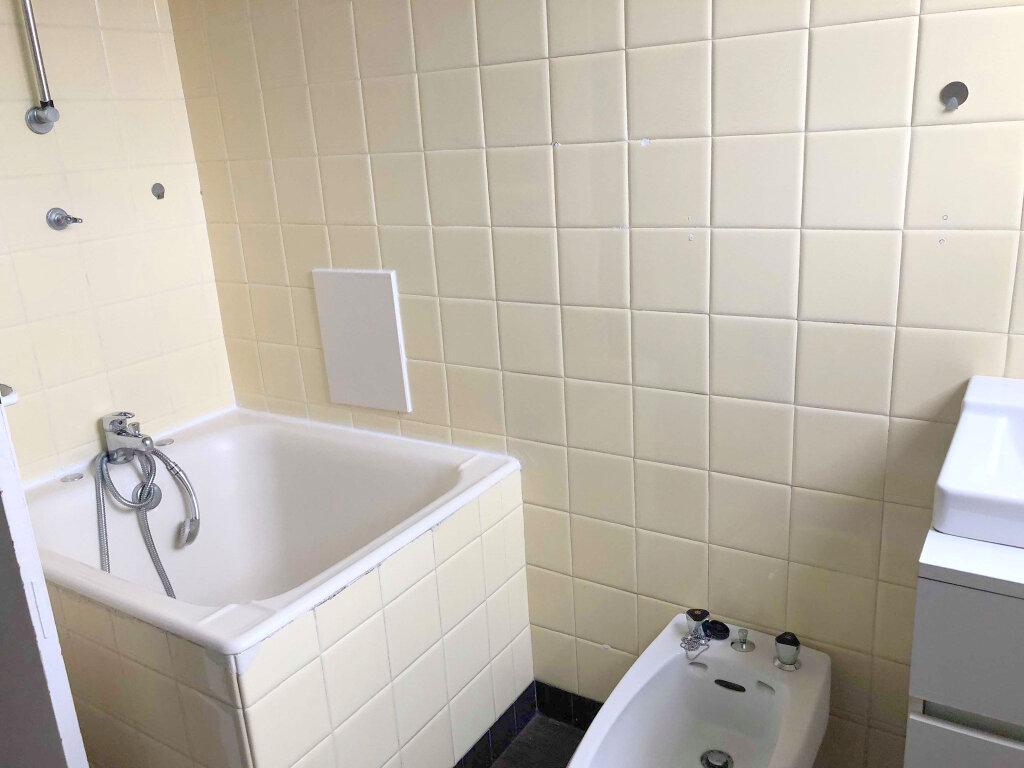 Appartement à louer 3 67m2 à Guingamp vignette-6