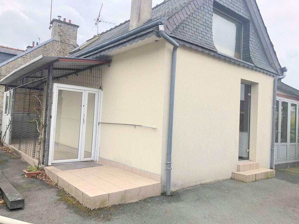 Maison à louer 2 60m2 à Guingamp vignette-1
