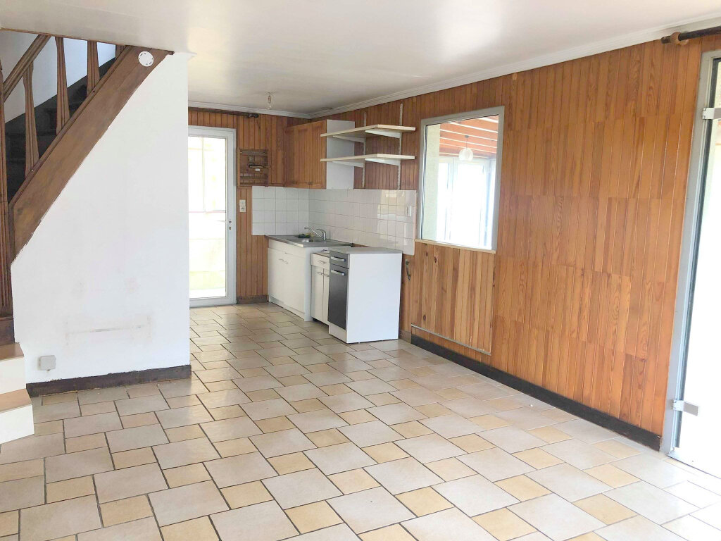 Maison à louer 2 60m2 à Guingamp vignette-2