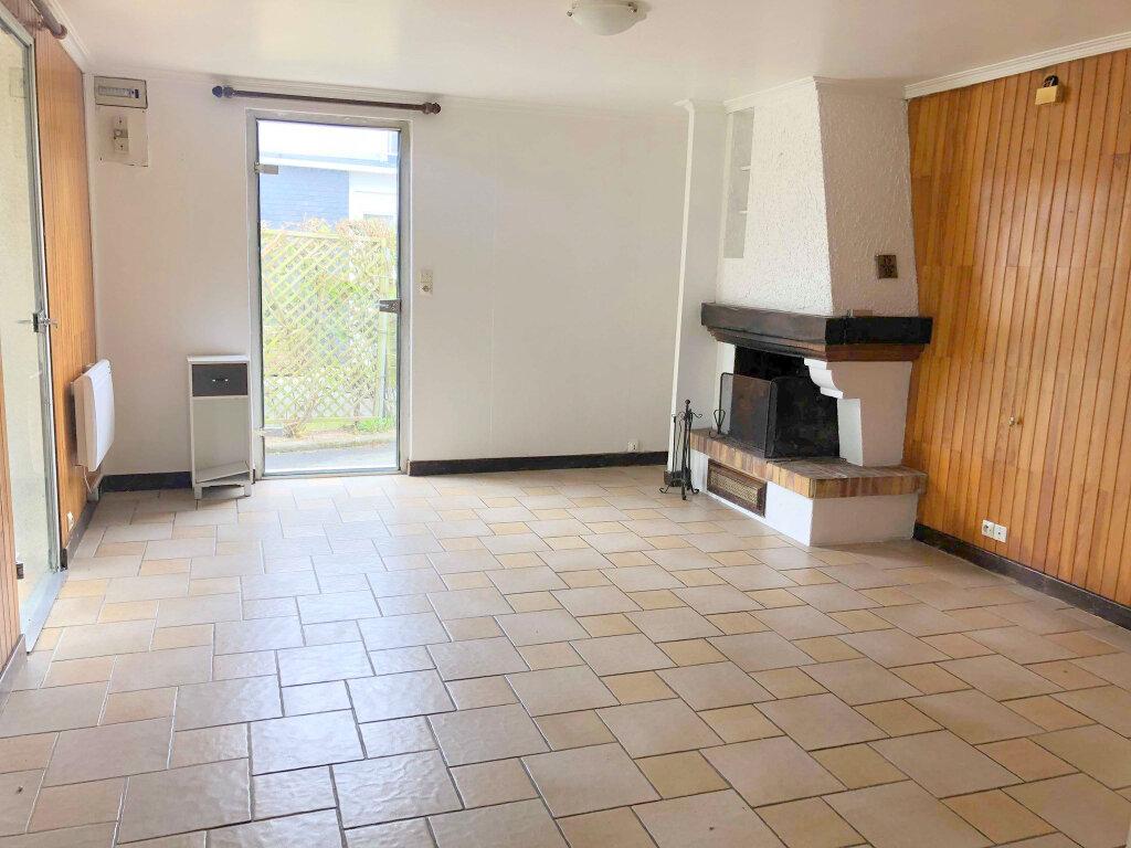 Maison à louer 2 60m2 à Guingamp vignette-3