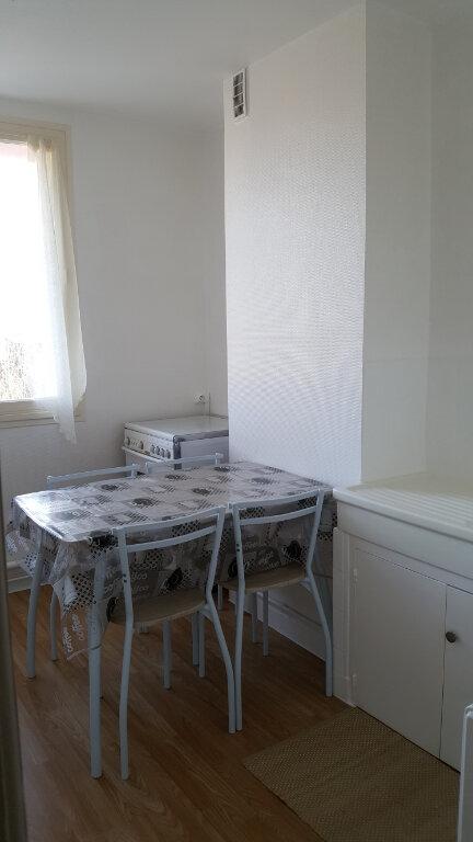 Appartement à vendre 4 64m2 à Guingamp vignette-3