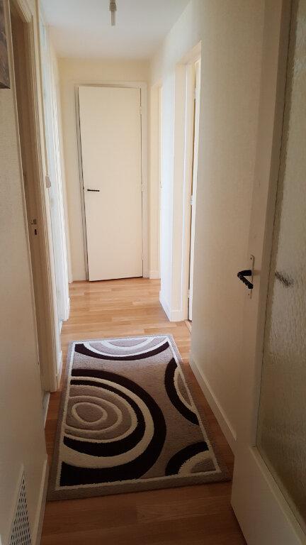 Appartement à vendre 4 64m2 à Guingamp vignette-4