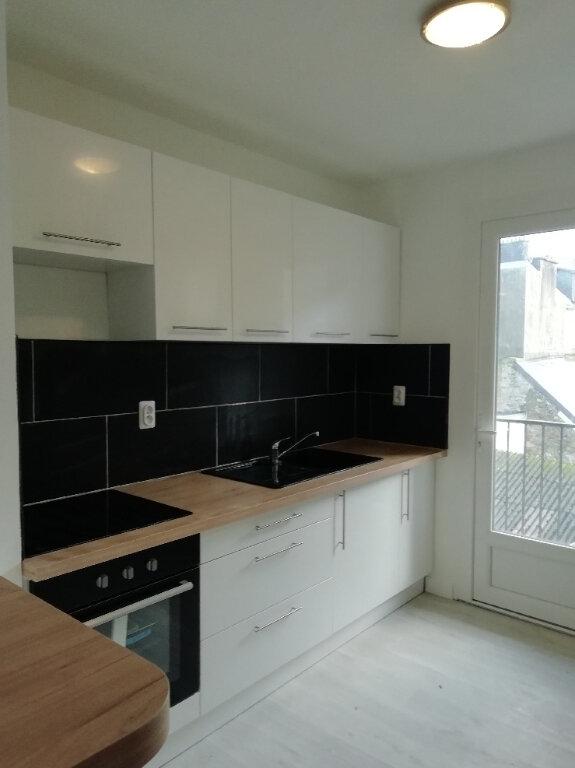 Appartement à louer 3 57m2 à Carhaix-Plouguer vignette-1