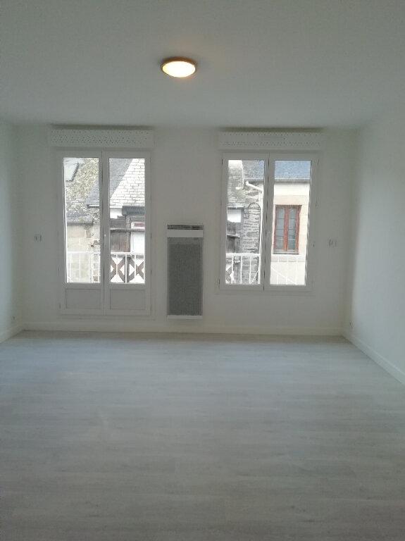 Appartement à louer 3 57m2 à Carhaix-Plouguer vignette-3