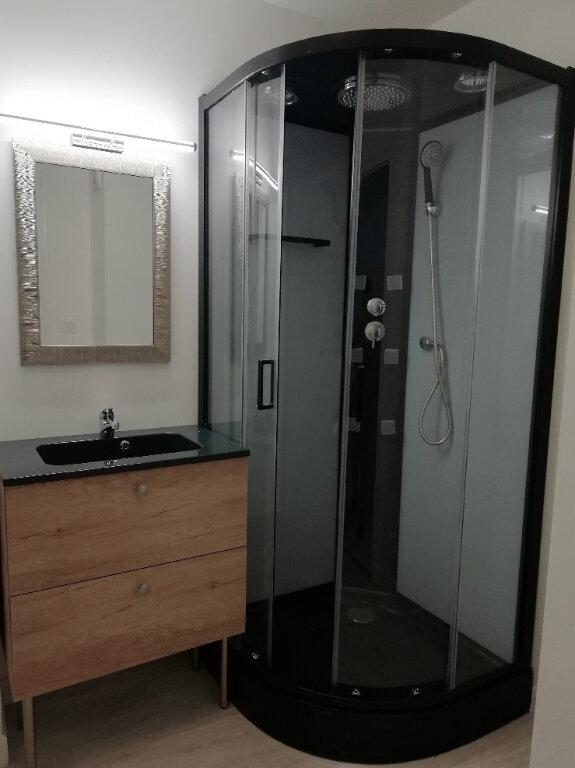 Appartement à louer 3 57m2 à Carhaix-Plouguer vignette-4