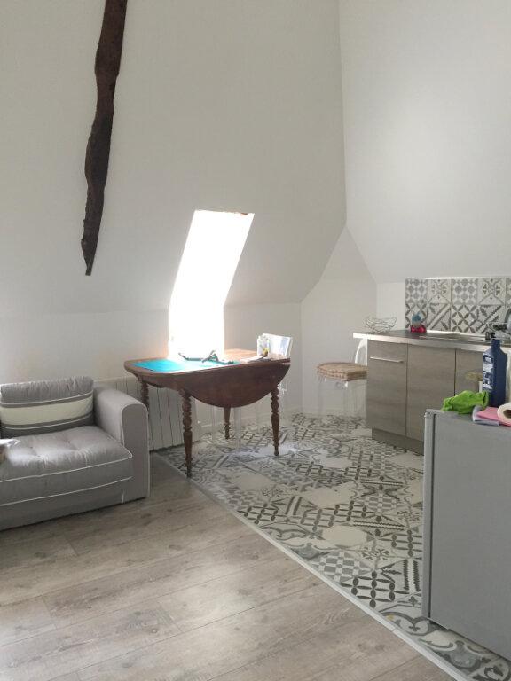 Appartement à louer 2 33m2 à Guingamp vignette-4