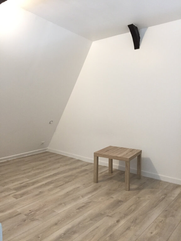 Appartement à louer 2 33m2 à Guingamp vignette-8
