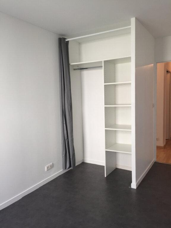 Appartement à louer 3 60.57m2 à Guingamp vignette-5