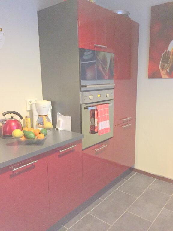 Maison à louer 3 60m2 à Guingamp vignette-2