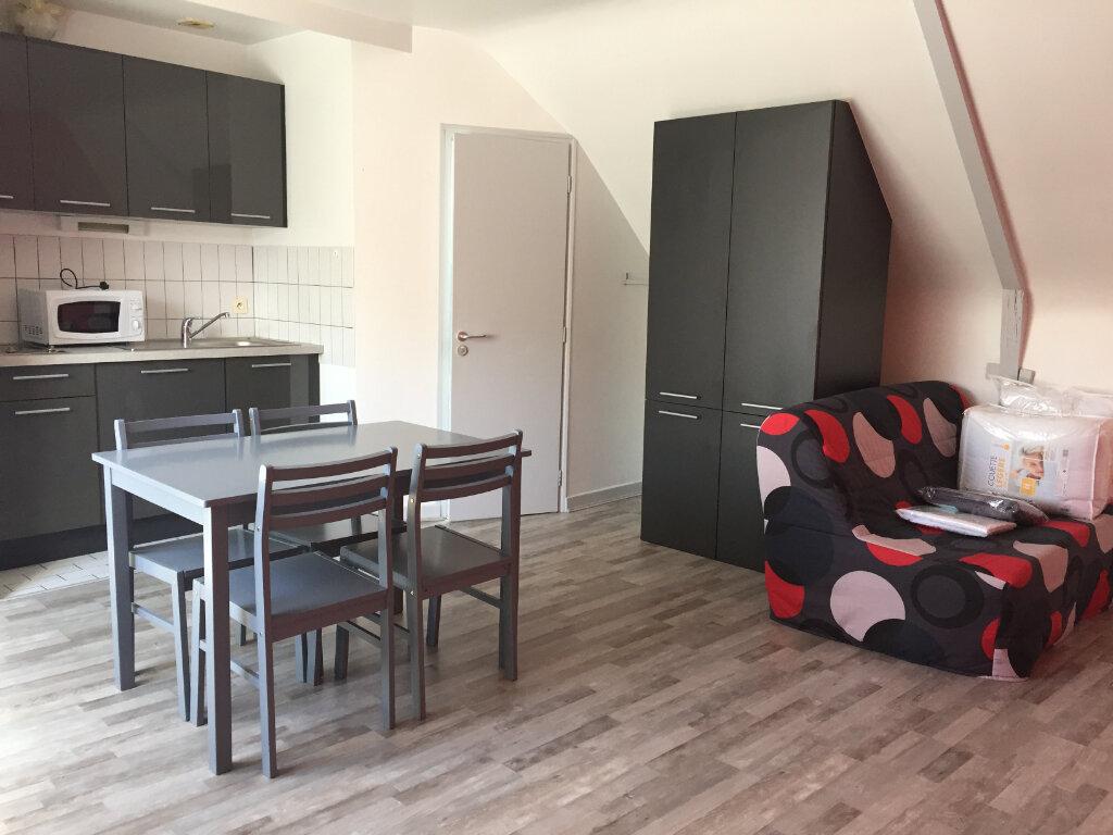 Appartement à louer 1 19.46m2 à Guingamp vignette-1