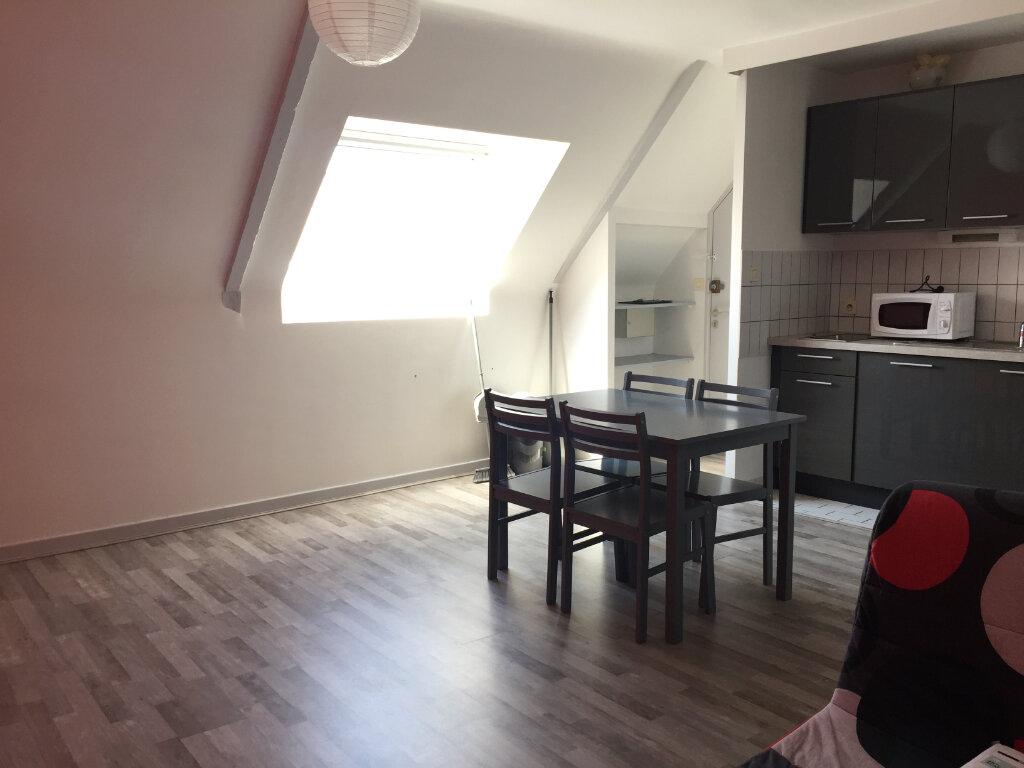 Appartement à louer 1 19.46m2 à Guingamp vignette-3