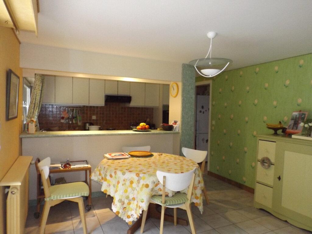 Maison à vendre 5 120m2 à Pommerit-le-Vicomte vignette-4
