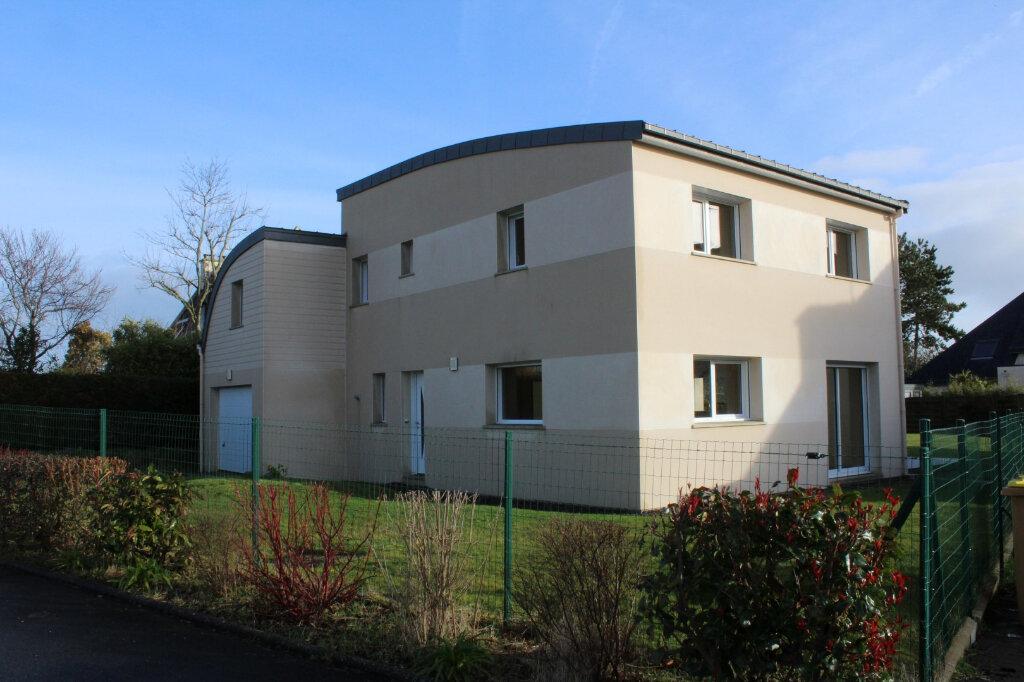 Maison à louer 6 150m2 à Pordic vignette-1