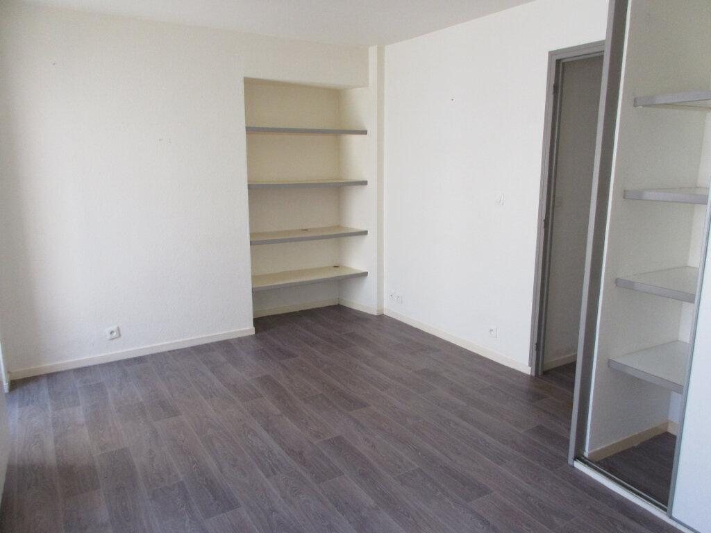 Appartement à louer 2 30m2 à Pordic vignette-3