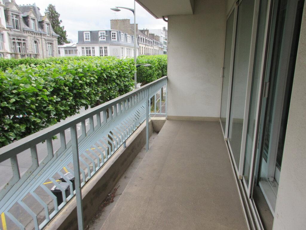 Appartement à louer 3 72m2 à Saint-Brieuc vignette-3