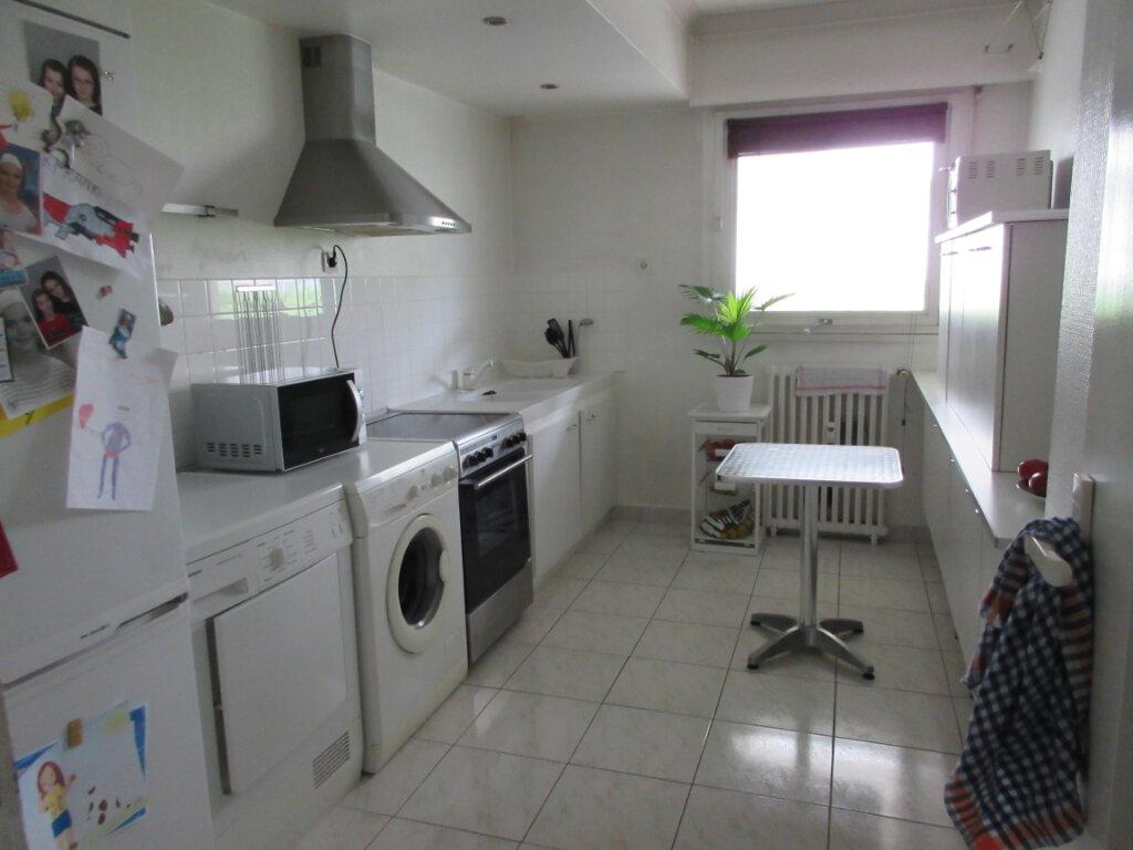Appartement à louer 3 72m2 à Saint-Brieuc vignette-4