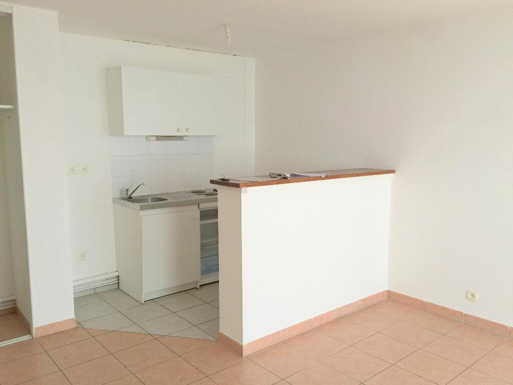 Appartement à louer 2 40m2 à Perros-Guirec vignette-1