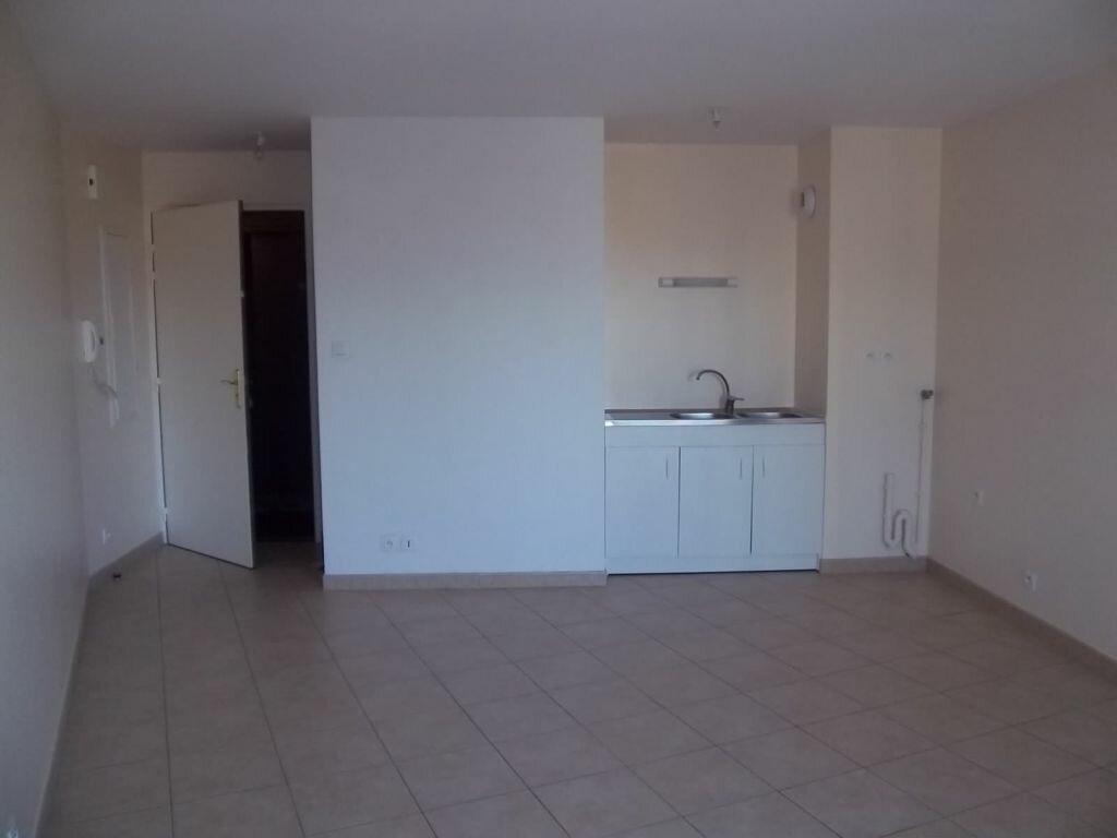 Appartement à louer 1 27m2 à Perros-Guirec vignette-3