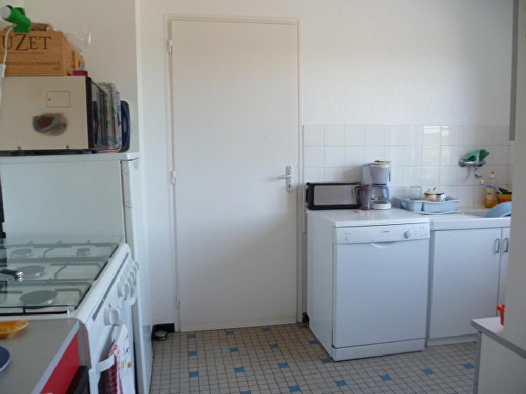 Maison à louer 3 55.55m2 à Saint-Molf vignette-2