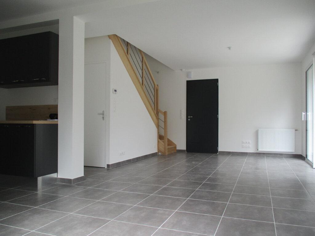 Maison à louer 4 94m2 à Saint-Molf vignette-1